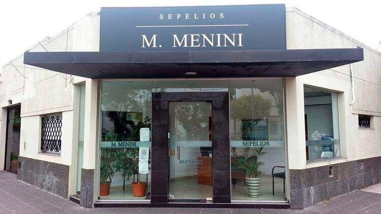 La tradicional cochería M. Menini Sepelios, de Villa Ballester.