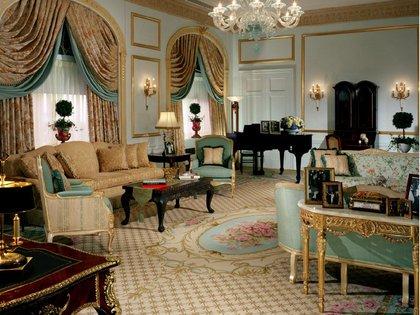 La suite de los duques de Windsor (Wallis Simpson y Eduardo VII, quien abdicó al trono por ella) es uno de los grandes atractivos de la subasta. (Waldorf Astoria/Kaminsky Auctions)