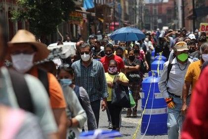 Del total de casos confirmados en México, las autoridades de salud revelaron que únicamente 30,682 fueron considerados como activos (Foto: REUTERS/Henry Romero)