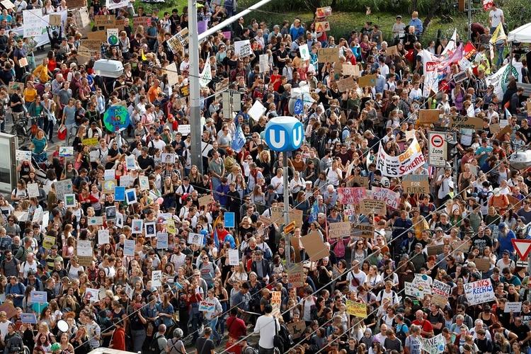 La manifestación contra el cambio climático también se replicó en Viena, Austria (REUTERS/Leonhard Foeger)