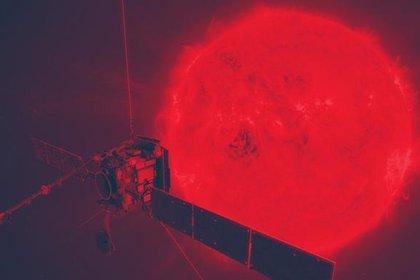 En su punto más cercano, la nave se acercará al Sol más de lo que ninguna otra misión ha logrado, soportando un calor abrasador, y llevará sus telescopios hasta casi un cuarto de la distancia de nuestro planeta a la estrella (ESA)