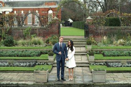 Para Meghan y el príncipe Harry también significó un peligro latente de su intimidad aunque sólo se publicaron un parte de las fotografías robadas. (Foto: AFP PHOTO / Daniel LEAL-OLIVAS)