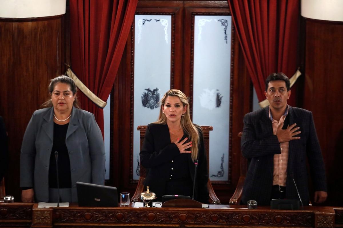 Por qué es constitucional la asunción de Janine Añez como presidente provisional de Bolivia - infobae
