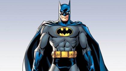 Batman es el superhéroe menos poderoso, porque no tiene ningún superpoder especial. Aunque posee una gran inteligencia y es millonario