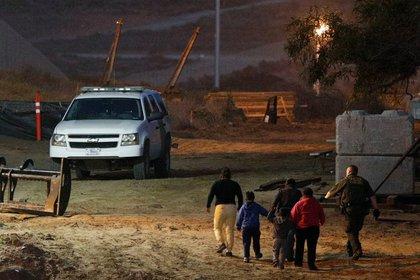 Este caso no es el único de fallecimiento de un migrante bajo custodia de las autoridades durante el presente año fiscal 2019 (Rebecca Blackwell/AP/Archivo)