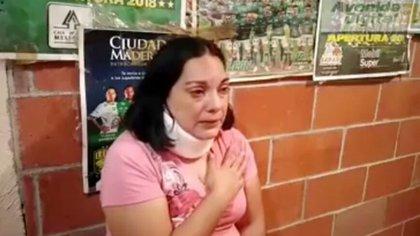 La enfermera Carolina Lira, del estado de Guanajuato, sufrió un esguince cervical derivado de las violentas agresiones en su contra. (Foto: captura de pantalla)