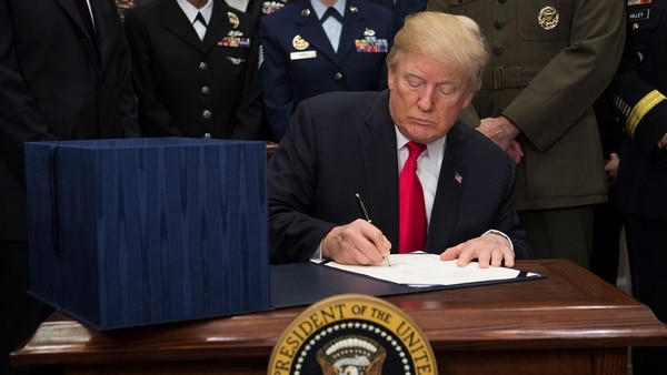 Donald Trump está ansioso por firmar la reforma y que comience a regir la reducción de impuestos (AFP)