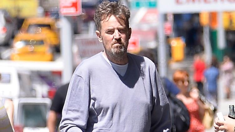 Matthew Perry con una imagen muy desmejorada que preocupó a sus fans (The Grosby Group)