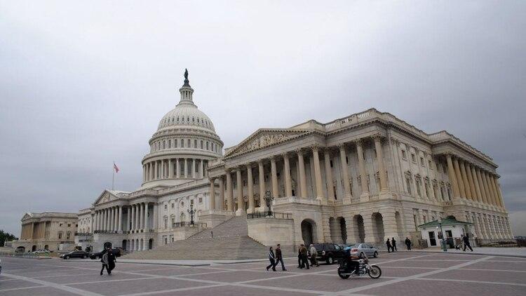 Situado en Capitol Hill, se encuentra el parlamento de Washington, con una imponente edificación.