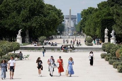 Los Jardines des Tuileries volvieron a abrir en París (Reuters/ Charles Platiau)