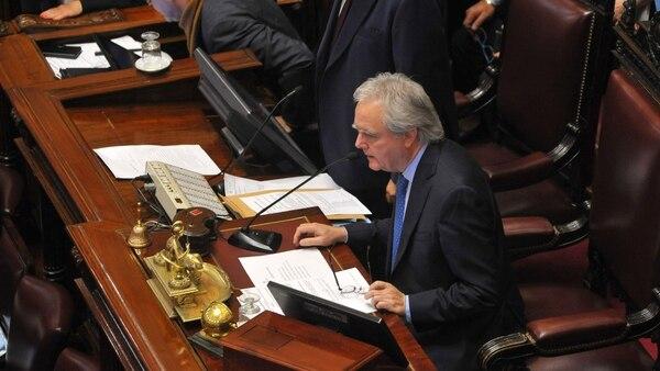 Federico Pinedo presidió los primeros minutos de la sesión. Luego ingresó Gabriela Michetti (Foto: Patricio Murphy)