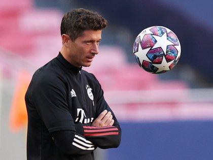 Robert Lewandowski está en carrera para ser el mejor futbolista del mundo (Reuters)