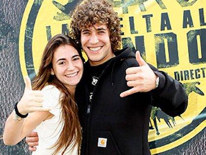 Cyril y su bella novia Paola en las fotos para el reality (EFE)