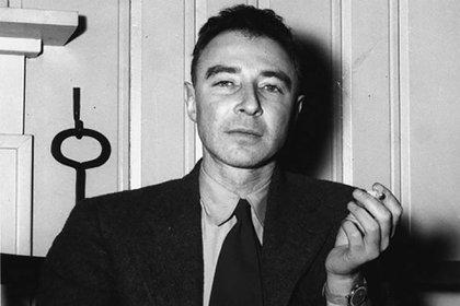 Robert Oppenheimer, director del laboratorio de Los Álamos en Nuevo México, parte del Proyecto Manhattan