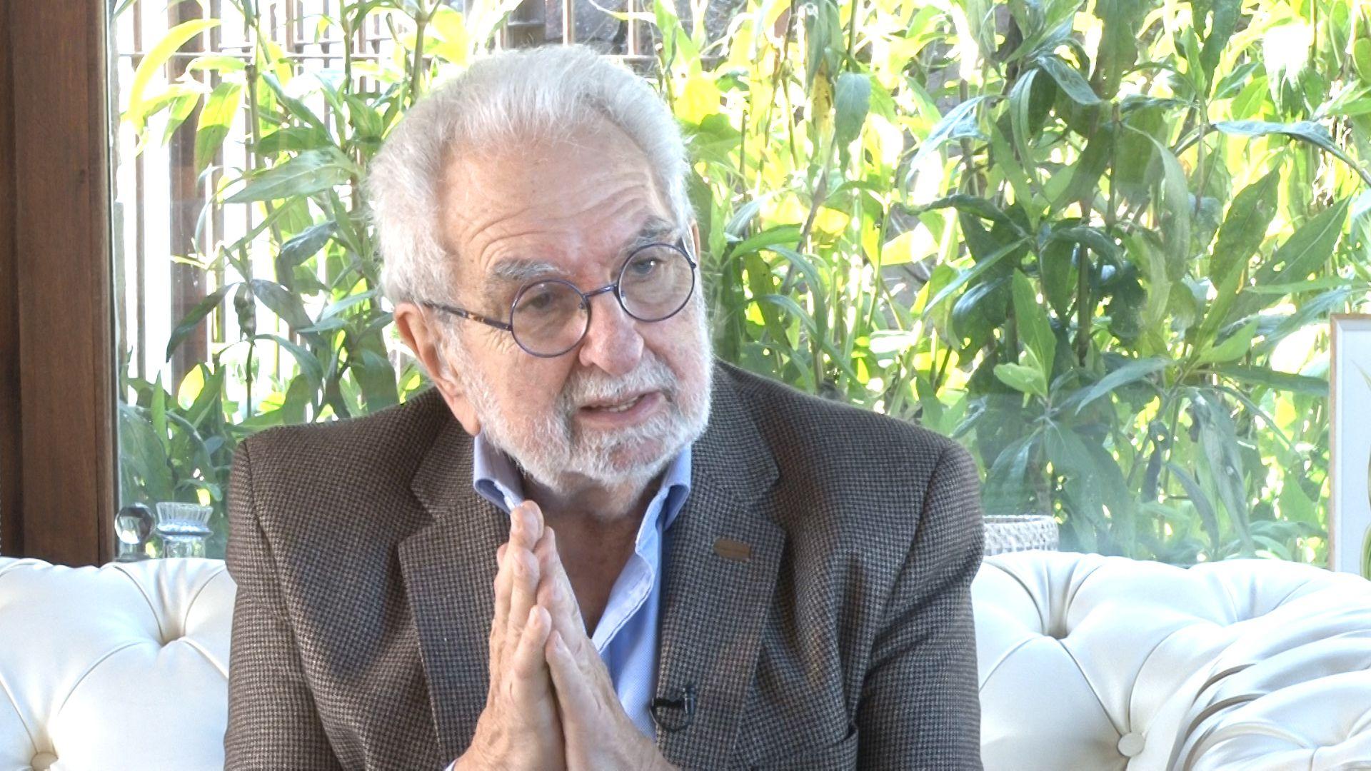 Pacho O'Donnell es médico, escritor y psicoanalista