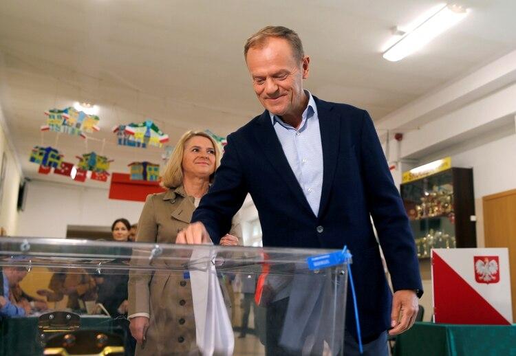 El presidente del Consejo Europeo, Donald Tusk,votando en Sopot, Polonia (REUTERS/Kacper Pempel)