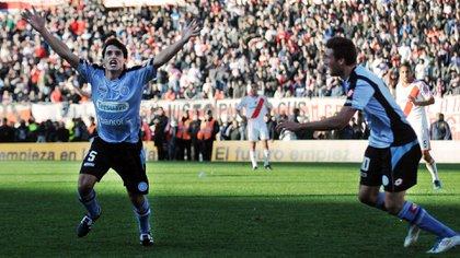 Guillermo Farré celebra su histórico gol ante River en el Monumental por la Promoción de 2011 (NA)