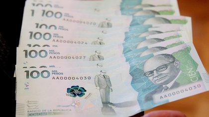 Senador del Polo Democrático pide que sector financiero asuma la crisis financiera de Colombia
