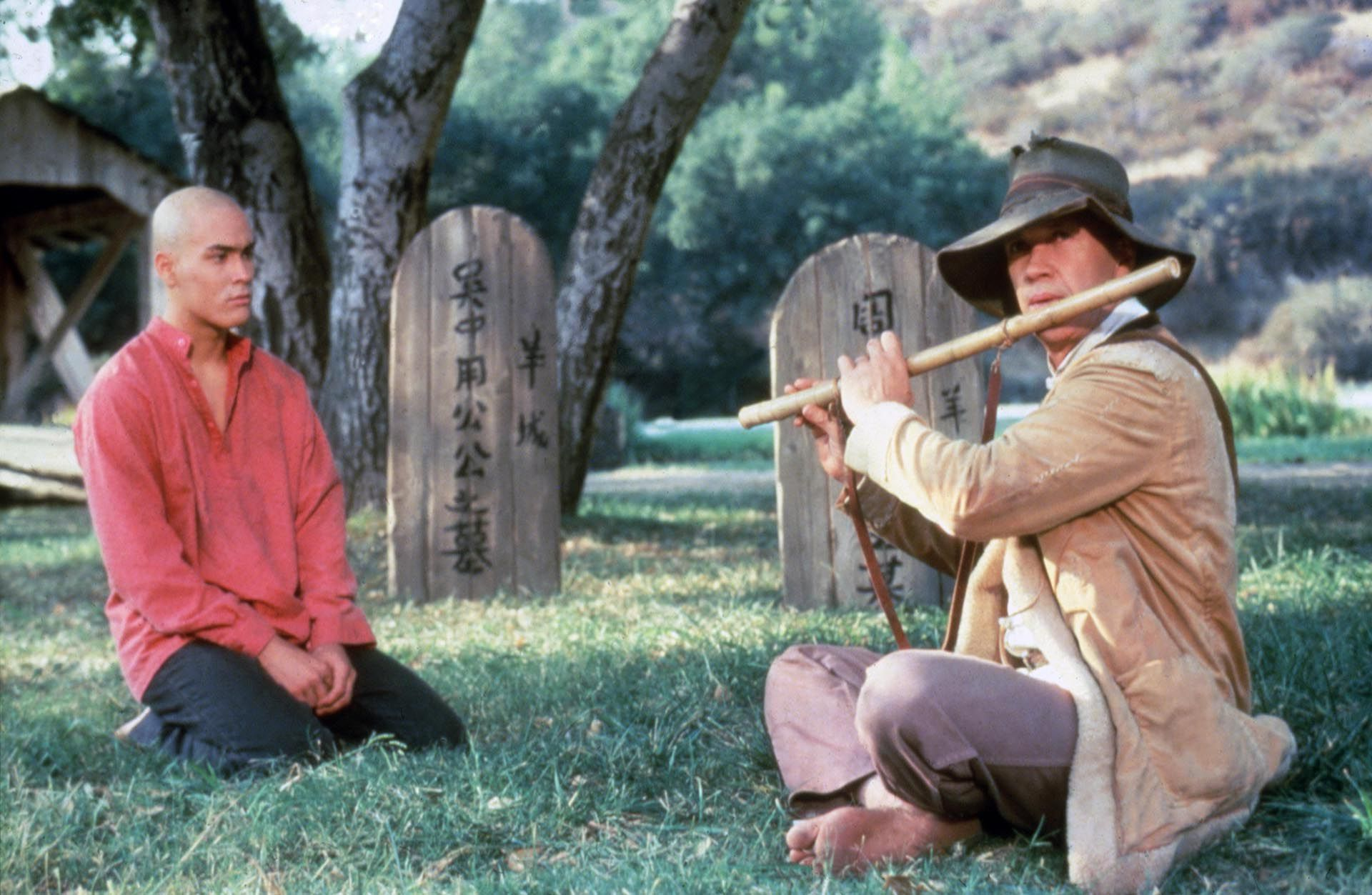 David Carradine con Brandon Lee, en el filme Kung Fu, de 1986 (Foto: Grosby Group)