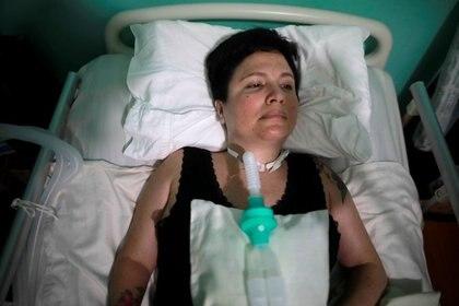 Ana Estrada en cama en su casa, Lima, Perú, 7 febrero 2020. REUTERS/Sebastian Castañeda