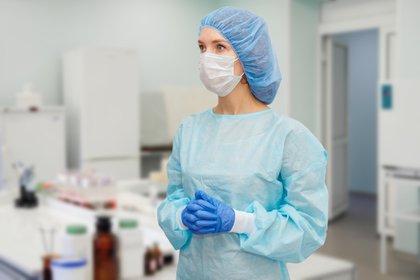 La difícil tarea a la que se enfrenta hoy el personal sanitario - Shutterstock