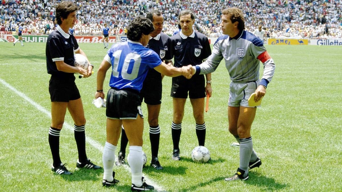 La exótica historia de las camisetas que Argentina usó ante ...