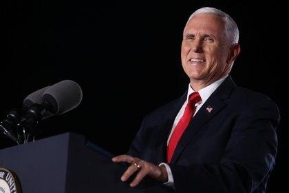 Mike Pence durante su discurso de clausura el miércoles en la convención republicana.  REUTERS / Jonathan Ernst