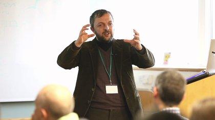 Pucci è Professore di Biologia Molecolare a Philadelphia, USA.