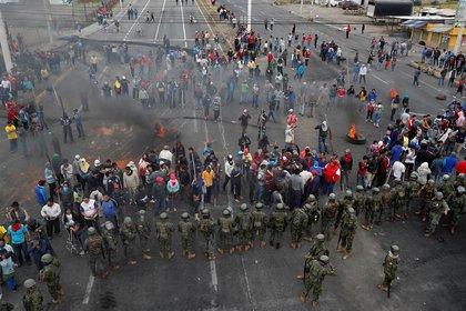 Ante las manifestaciones, el presidente Lenín Moreno decretó el estado de excepción en Ecuador (Reuters)