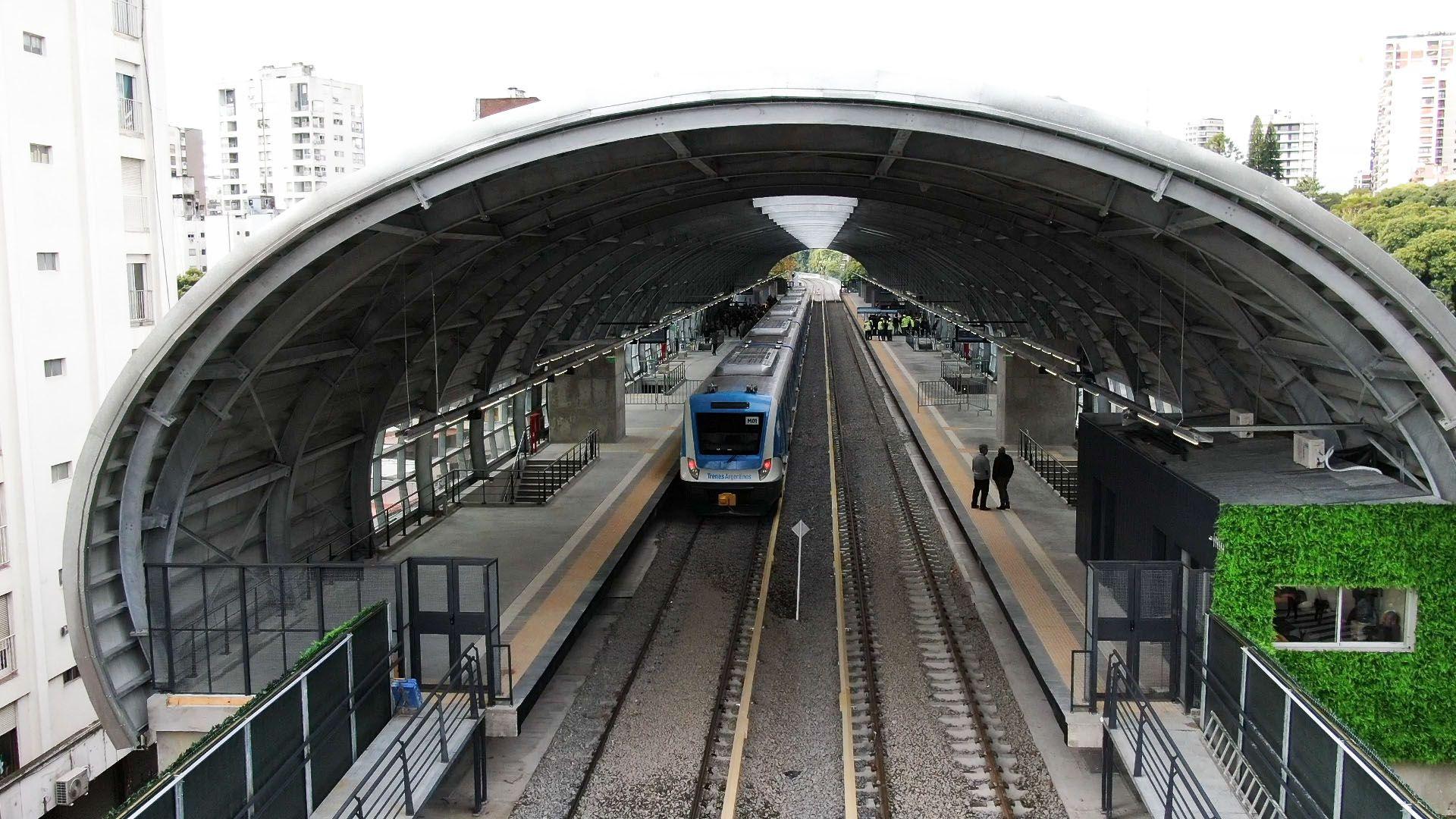 El Vicejefe de Gobierno, Diego Santilli, dijo que por la quita de coparticipación no habrá más obras para elevar las vías de los trenes; como se hizo con el viaducto Mitre (Thomas Khazki)