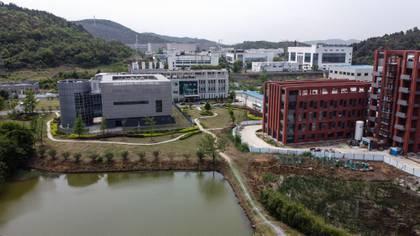 Una vista aérea muestra el laboratorio del Instituto de Virología de Wuhan en Wuhan, en la provincia central de Hubei, China, el 17 de abril de 2020. (AFP)