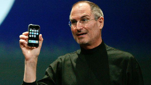 Se cumplen 10 años de la salida a la venta del iPhone, el teléfono que revolucionó el mercado