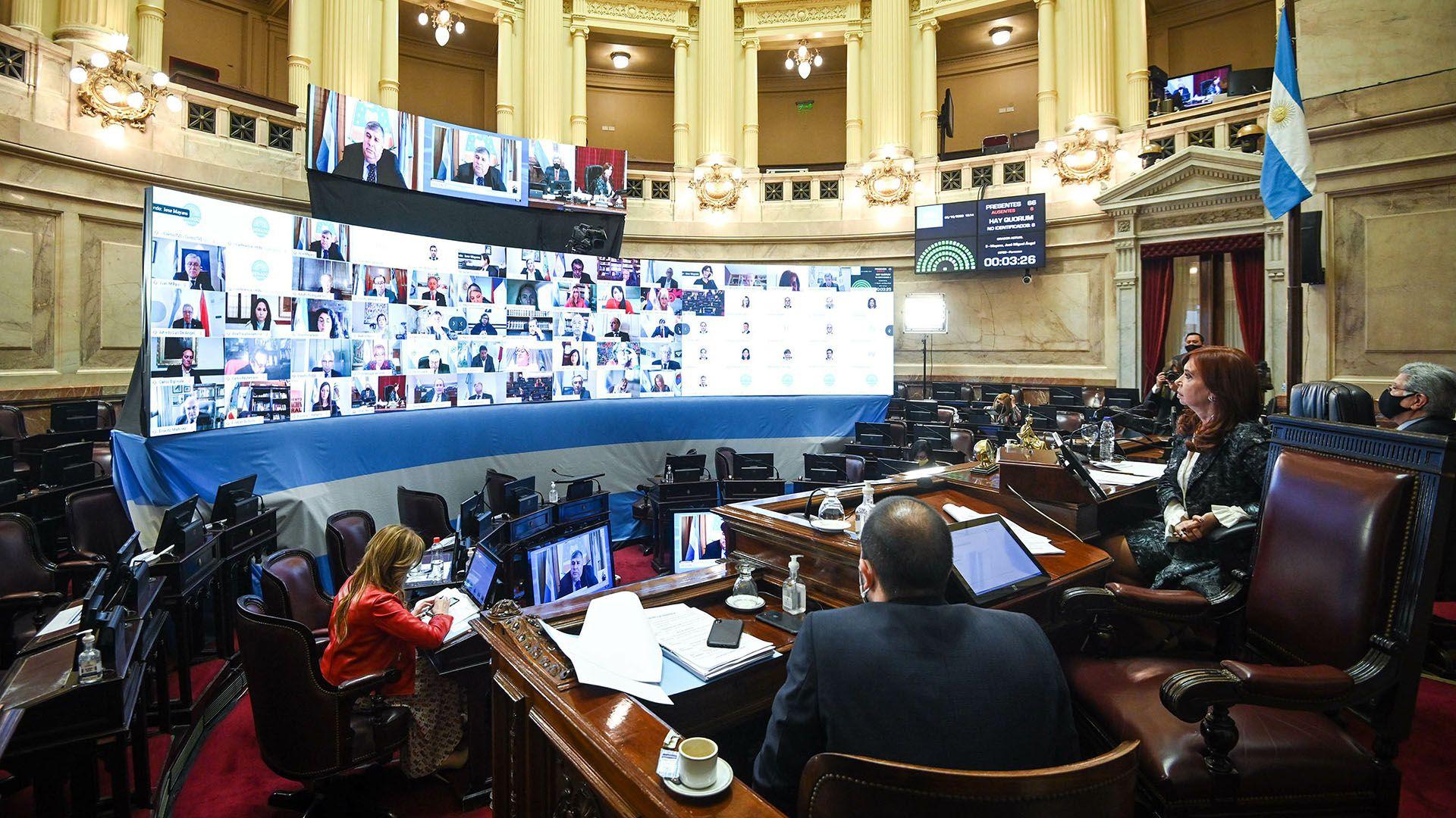Sesión Especial remota del Honorable Senado de la Nación en la que se tratará la prohibición de compra de dólares ahorro a los Legisladores y personal jerárquico de ambas Cámaras