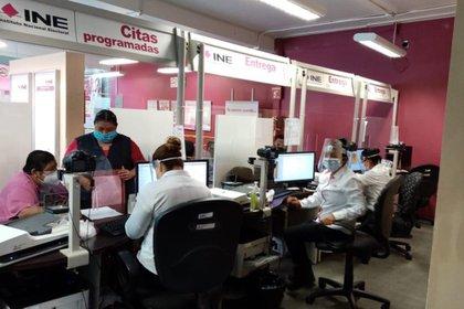Ya operan los 487 módulos con que cuenta el órgano electoral en todo México (Foto: Twitter@INEMexico)