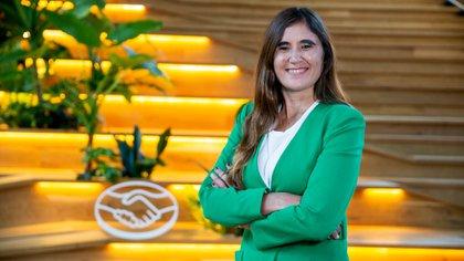 """""""Venimos innovando con servicios de movilidad, una gama de combustión alternativa con vehículos eléctricos e híbridos, tecnologías creativas y nuevas ofertas adaptadas a los tiempos actuales"""", dijo Valentina Solari, Directora Comercial de Renault Argentina"""