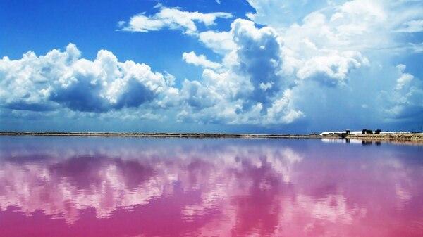 La Laguna Rosa es un paraíso escondido al que todavía no arribó el turismo masivo