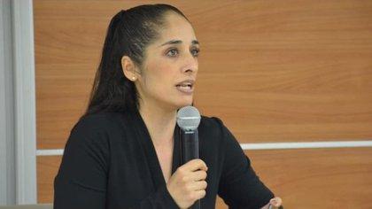Un foro sobre racismo y clasismo en México orilló a Mónica Maccise Duayhe a la renuncia (Foto: Twitter@sinreservas620)