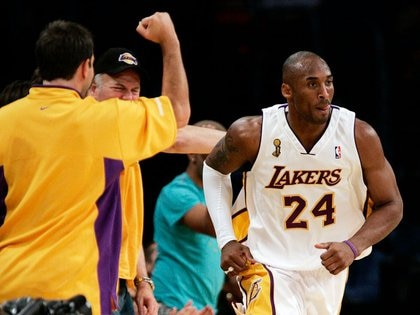 Kobe Bryant es considerado como uno de los mejores jugadores de baloncesto de todos los tiempos (Reuters)