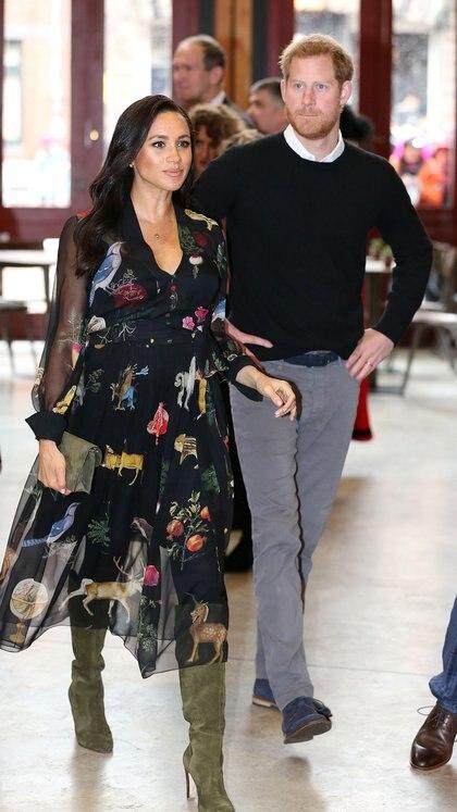 El príncipe Harry y Meghan Markle serán padres a fines de abril