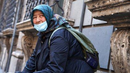 Prácticamente una de cada dos personas que recurrieron a la ayuda de Cáritas en Italia entre mayo y septiembre lo hicieron por primera vez (Shutterstock)