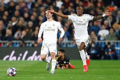Vinicius Junior e Isco serían los apuntados para ser parte del canje que buscaría el Real Madrid para quedarse con Paulo Dybala (REUTERS/Juan Medina)