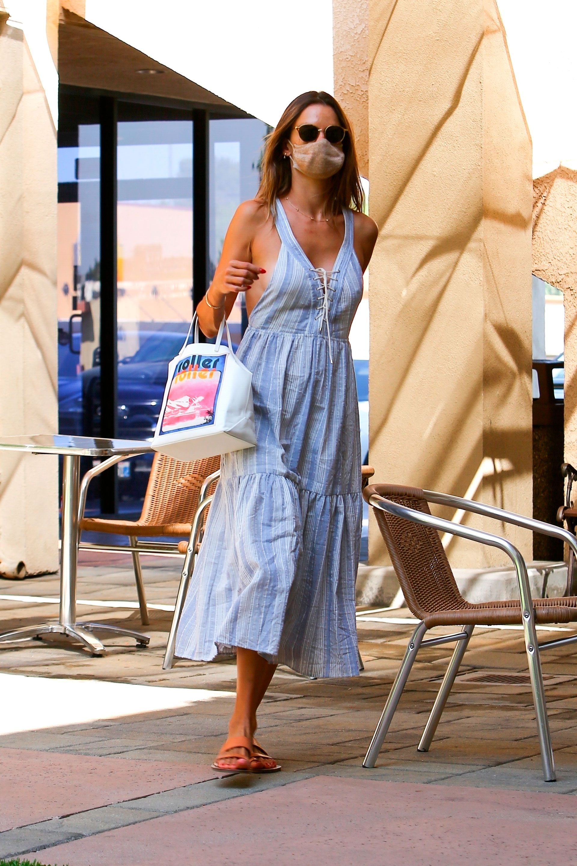 Celebrities-en-un-clic-Alessandra-Ambrosio-24092020