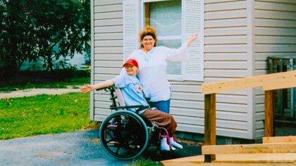 Dee Dee y Gypsy: la niña creció convencida de que su vida corría constante peligro por su mala salud