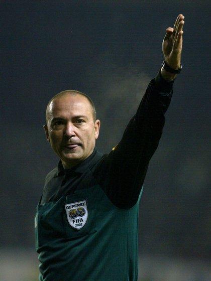 Antonio Jesús López Nieto fue árbitro internacional y dirigió la UEFA Champions League (Grosby)