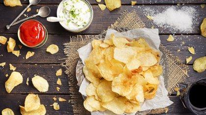 La medida incluye papas y demás alimentos considerados comida chatarra (Foto: Shutterstock)