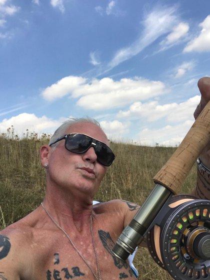 El ex futbolista en un día de pesca (Twitter: @Paul_Gascoigne8)