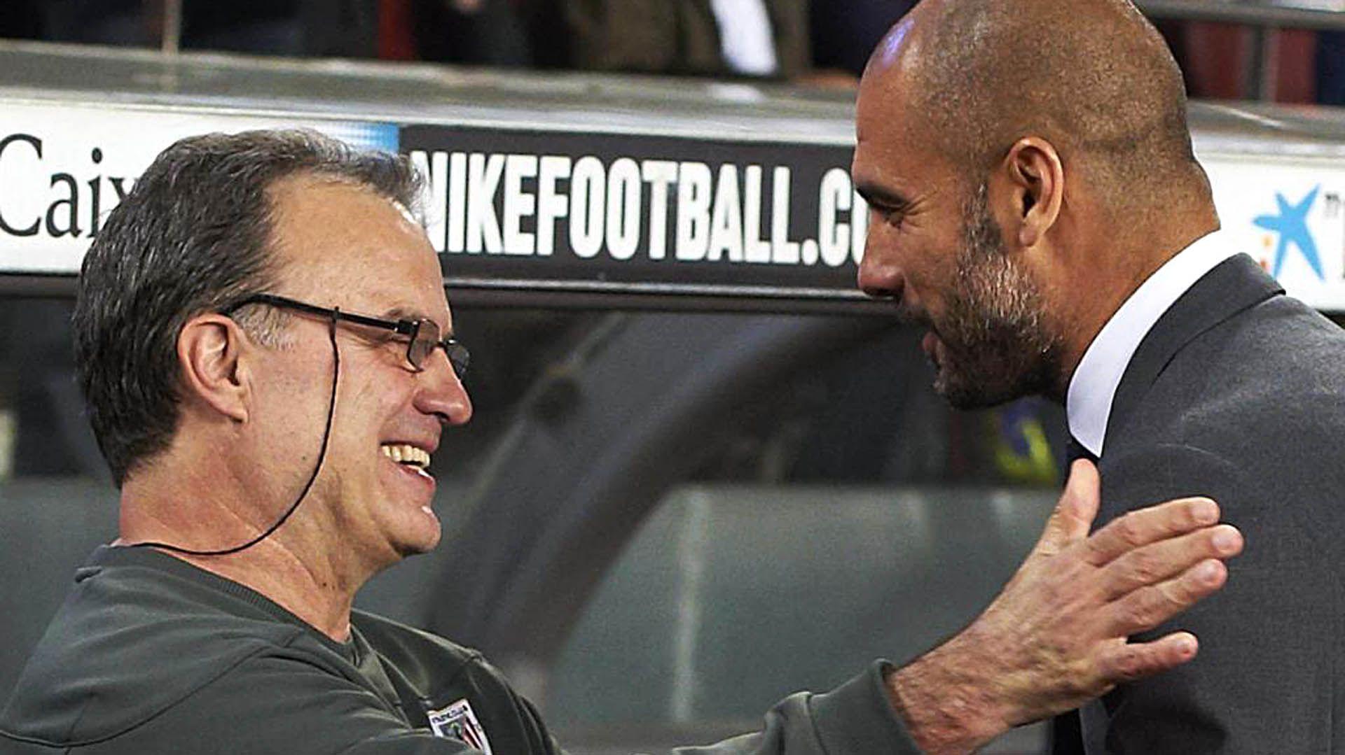 Bielsa y Guardiola se enfrentaron como entrenadores del Athletic Bilbao y Barcelona, respectivamente, en España