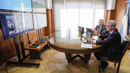 El ministro de Transporte, Mario Meoni, durante la videoconferencia organizada por la Fundación Mediterránea. (Télam)