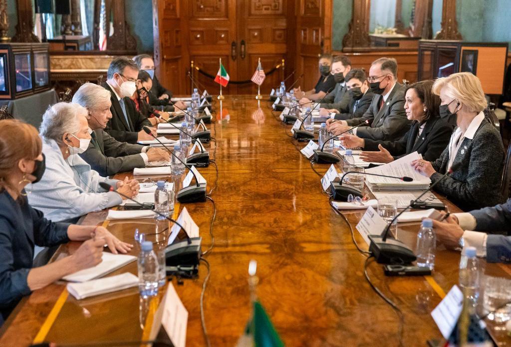 Reunión entre Andrés Manuel López Obrador y Kamala Harris en Palacio Nacional (Foto: VP)