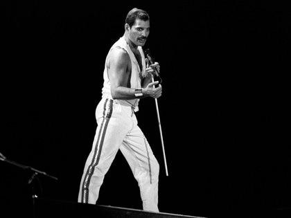 La imagen icónica del popular cantante británico Freddie Mercury, líder del grupo musical Queen (EFE)
